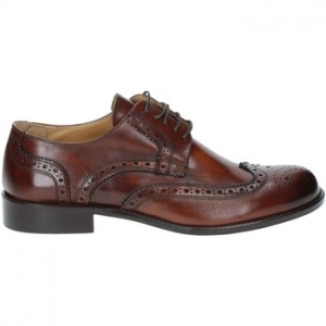 Derbies Exton 6010