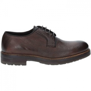 Derbies Exton 690