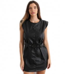 Φόρεμα δερματίνη με βάτες και ζώνη (Μαύρο)