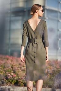 Φόρεμα μίντι με κουμπιά στο