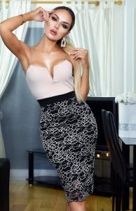 Φόρεμα μίντι με ραντάκια V