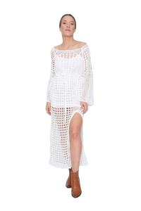 Φόρεμα Πλεκτό Σε Άσπρο