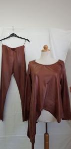 Leatherlike κολλάν με τοπ