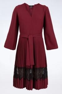Μπορντό Φόρεμα με Μαύρη Δαντέλα / Μέγεθος: 44 - Εφαρμογή: M