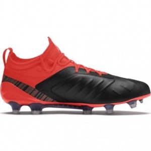 One Puma football boots FG